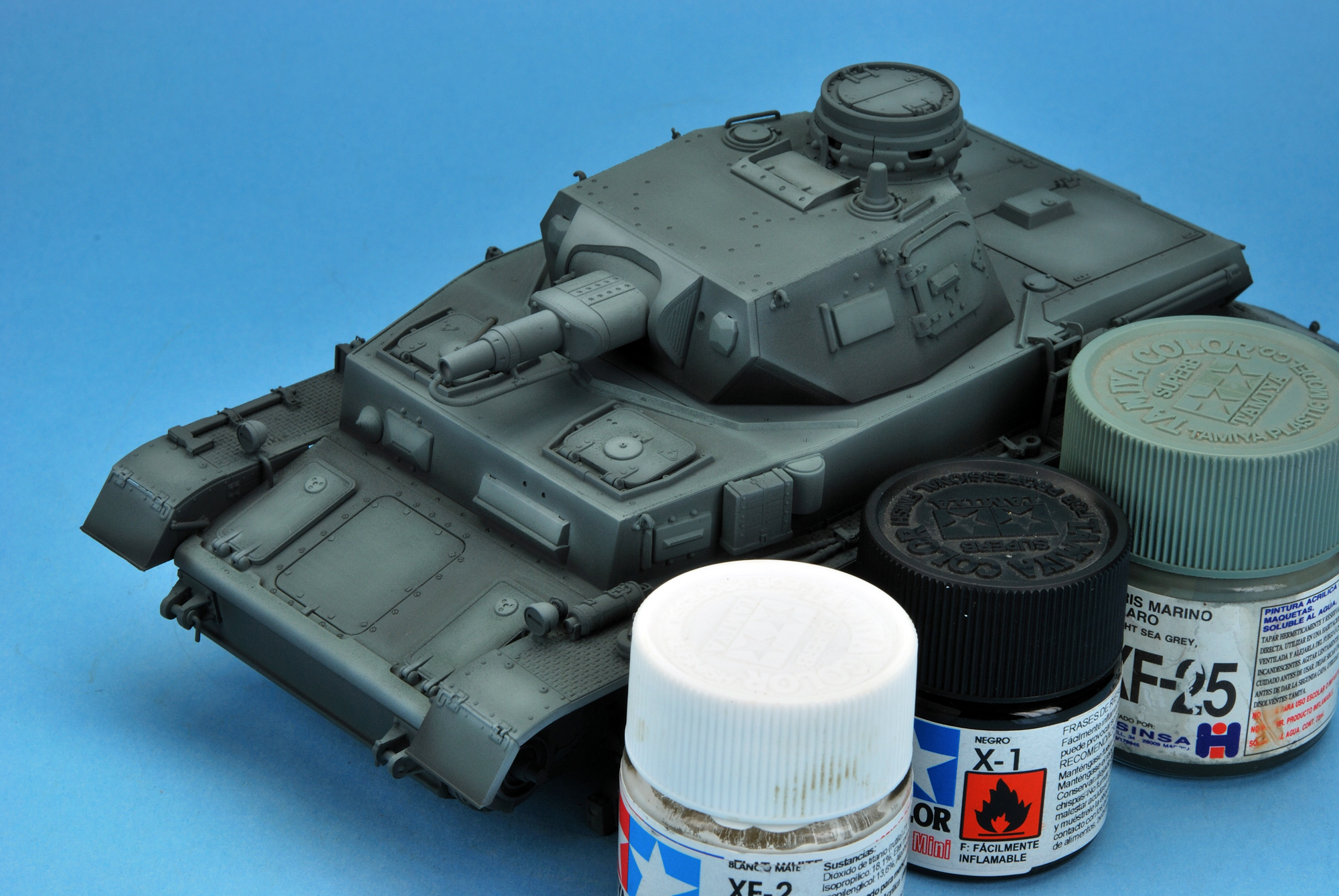 PAINTING THE PZ IV AUSF B